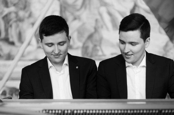 Tóth-Vajna Zsombor & Gergely